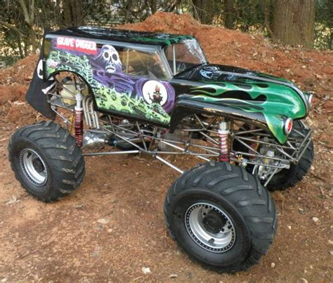 rc trucks grave digger kevin holmlund s conley v8 powered 1 4 scale