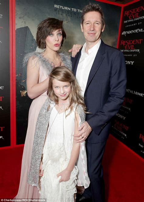milla jovovich daughter milla jovovich on working with daughter on resident evil