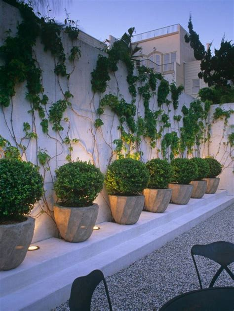 Just Two Fabulous Courtyards by 25 Fabulous Courtyard Interior Wall Decorating Ideas