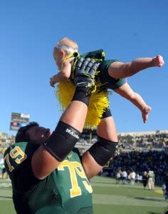 Asper School Of Business Mba Ranking by Oregon O Lineman Saved With Heimlich Maneuver