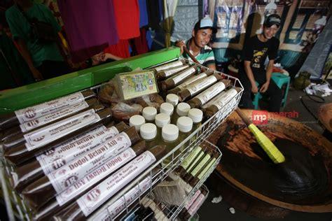 Dodol Betawi Asli Sari Rasa dodol legit asli betawi di festival lebak bulus merahputih