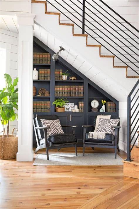 stair storage ideas     empty