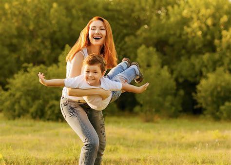 brunoymaria con hijo y mama una madre catalana consigue que el colegio deje de ense 241 ar