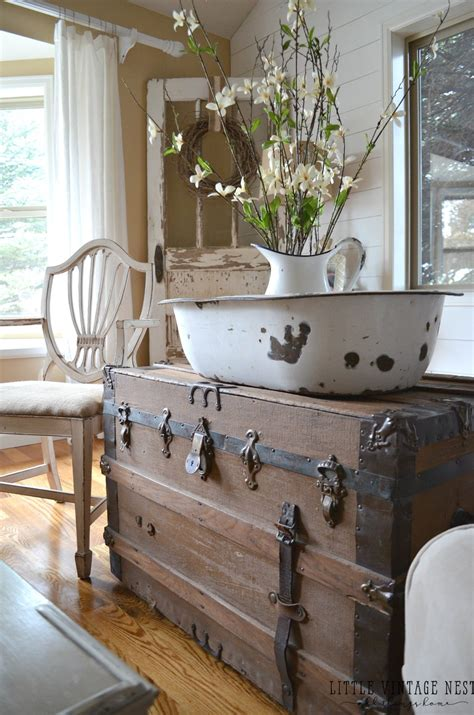 country vintage home decor how to decorate with vintage decor vintage nest