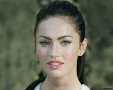 megan foxs makeup how to get her skin bold lip exact look megan fox no makeup google search bae pinterest