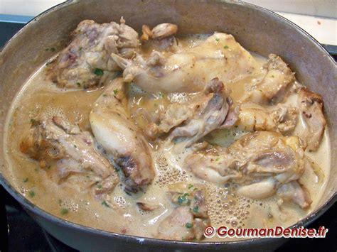 cuisiner le lapin en sauce lapin 224 la bi 232 re brune aux pruneaux et 224 la moutarde 224 l