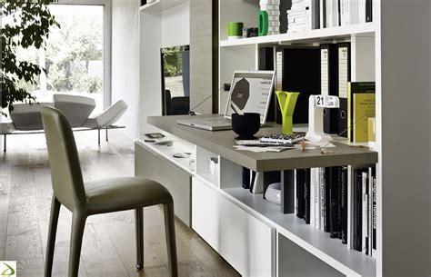 scrittoio con libreria parete libreria soggiorno in legno giaco arredo design