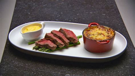 chateaubriand with b 233 arnaise sauce and potato and speck gratin
