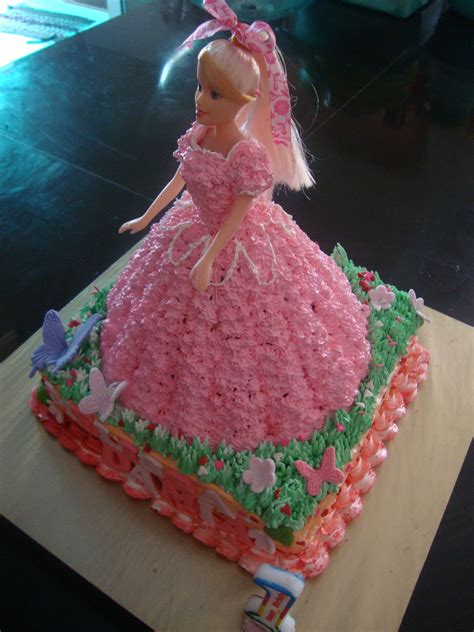 dolls house cake doll s house cake soft 28 images pin by on9 new on cakes on9 how to make a disney