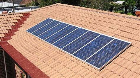 living on one solar panel how much co2 does one solar panel create mnn