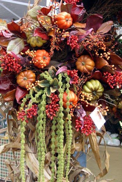 barok stijl bloemen barok stijl bloemen en vruchten bloemstuk met fruit