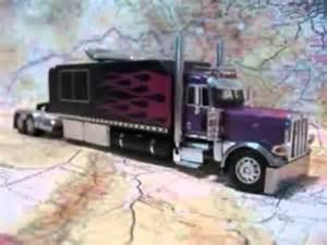 custom model peterbilt 389 with big sleeper purple