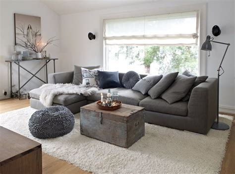 decoracion de living room sal 243 n sofa gris alfombra color baul ideas de