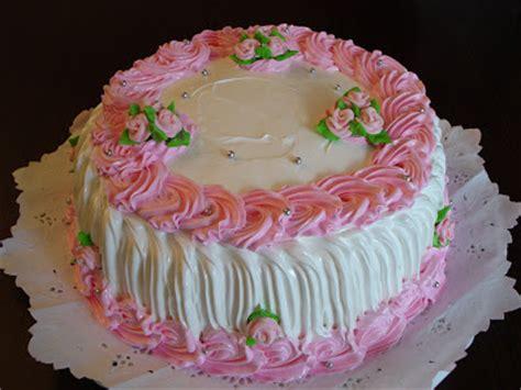 como decorar un pastel de un kilo lastortasdemaria torta con merengue rosa decorado con flores