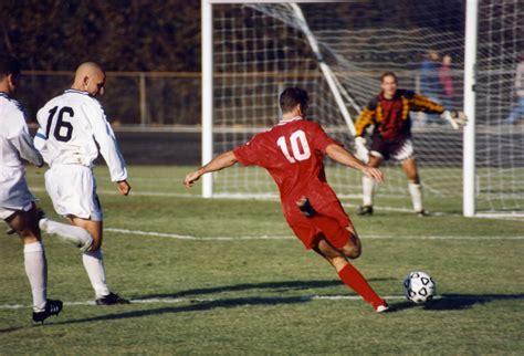 fb wiwik file football iu 1996 jpg 維基百科 自由的百科全書