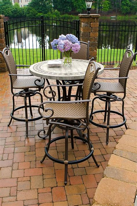 Patio Furniture High Top Table And Chairs High Top Patio Table And Chairs Marceladick