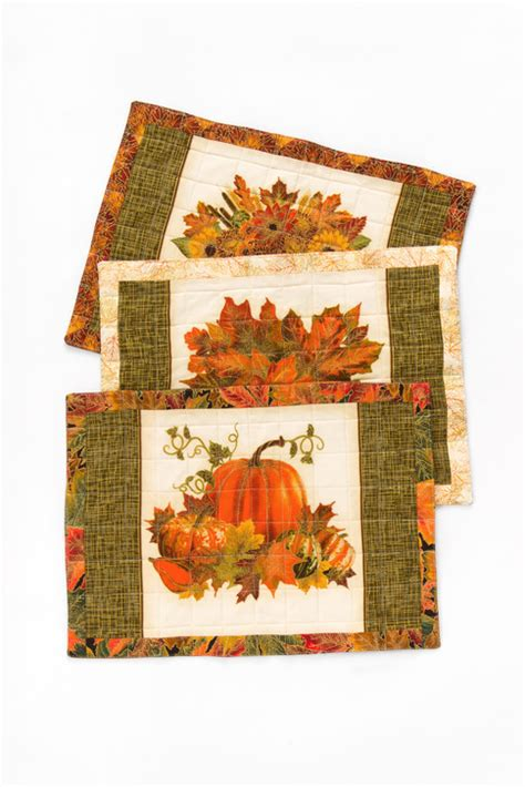 Quilted Placemat Patterns by Reversible Quilted Placemats Free Pattern Robert Kaufman