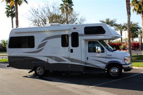 2010 Lazy Daze 24 Foot Class C. ONLY 4,400 Miles! SUPER CLEAN!   Platinum Coach & RV