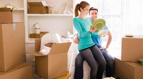 8 Tips On Moving In Together by Compromising Tips For Couples Moving In Together