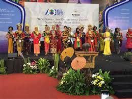 Menyosong Fajar Otonomi Daerah kemenpar jaring duta pariwisata daerah di pemilihan puteri otonomi indonesia 2017 fajar