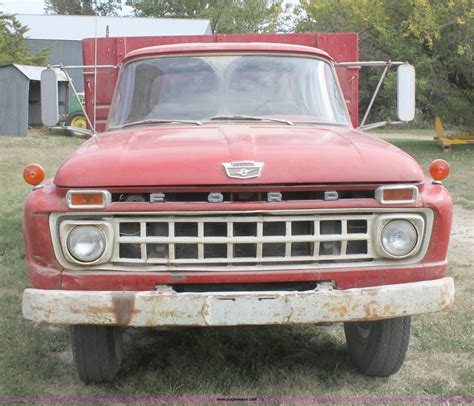 auto body repair training 1986 ford f series interior lighting 1965 ford f600 grain truck item a2978 sold october 26 a