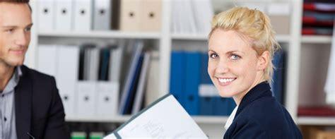 Anschreiben Unterlagen Zusenden Tipps F 252 R Ihre Bewerbung A Team