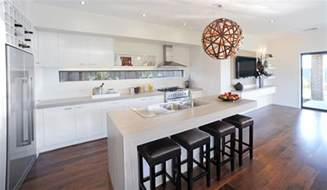 kitchen designs with windows white kitchen with timber flooring off white bench house pinterest white bench timber