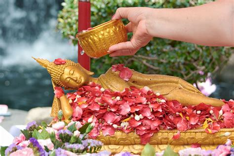 new year traditions in thailand songkran thailand s new year book thailand now