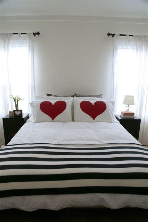 heart bedroom red heart bedroom pillow diy decoist
