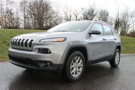 jeep cherokee latitude   autonation drive