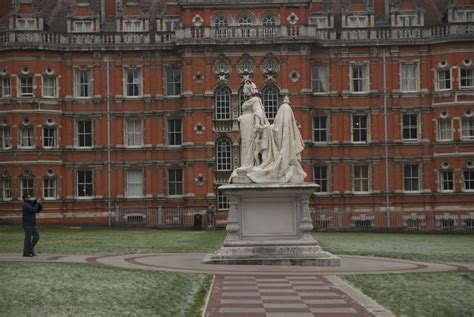 Royal Holloway Mba Entry Requirements by Mbadirector Royal Holloway Somewhere Between Central