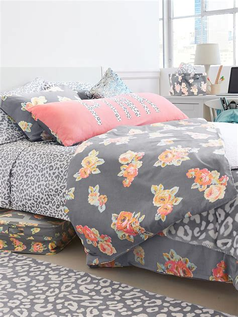 victoria secret bed set 25 best ideas about coral bedspread on pinterest coral