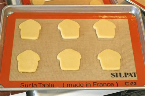 Simple Tip Use Two Cookie Sheets rolled sugar cookie recipe glorious treats