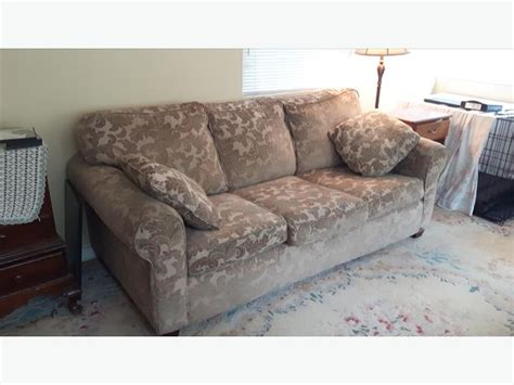 hideabed couch reduced hideabed couch sofa for sale shawnigan lake