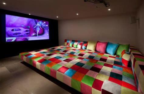 bett kino sofa im heimkino 30 originelle vorschl 228 ge