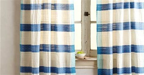 Nautical Striped Curtains Decor Nautical Knockouts 11 Ways To Add Coastal Cool To Your Home Decor Striped Curtains