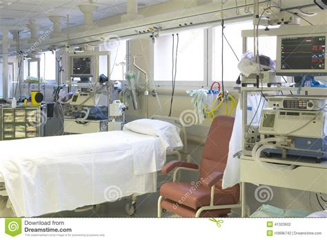 equipment used in the emergency room hospital emergency room with bed and equipment stock photo image 41323602