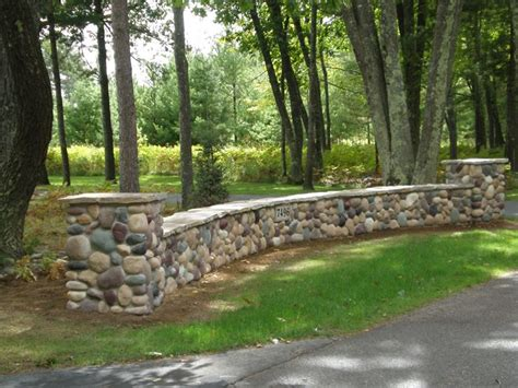 1000 Images About River Rock Creations On Pinterest Rock Garden Wall