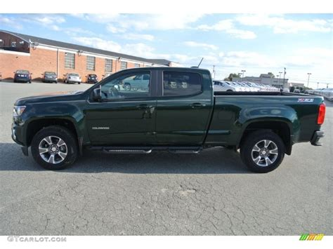 chevy colorado green 2015 rainforest green metallic chevrolet colorado z71 crew