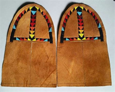 moccasin beading designs 759 best images about moccasins n other shoes on