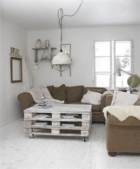 kronleuchter shabby chic 38 adorable white washed furniture pieces for shabby chic