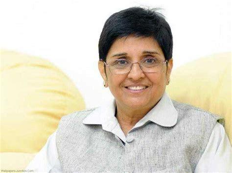 biography in english kiran bedi leaves arnab goswami on edge