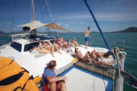 big catamaran sailing adventures segeln in phuket katamaran charter