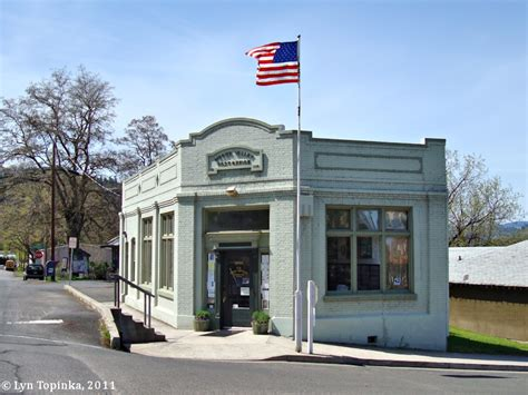 Valley Post Office by The Columbia River Mosier Oregon