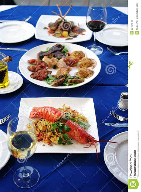 tavola italiana tavola di cena italiana di cucina fotografia stock