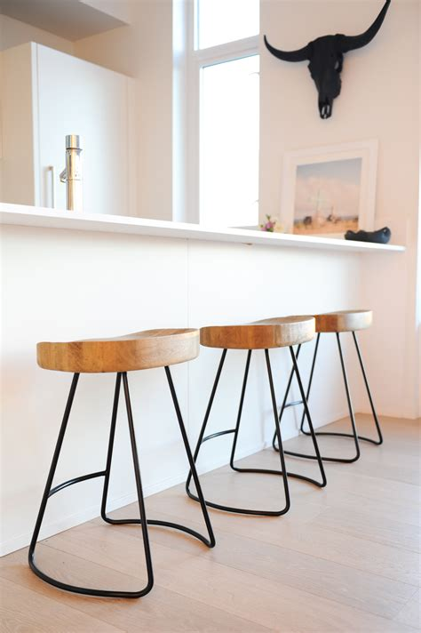 Swimming Pool Table And Chairs Restoration Hardware Counter Stools Homesfeed