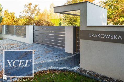 Porte De Coulissante 2067 by Nowoczesne Ogrodzenie Aluminiowe Horizon Krak 243 W