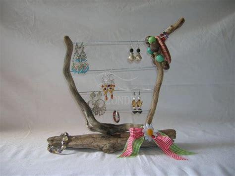 porta orecchini e collane pi 249 di 25 fantastiche idee su espositore per gioielli su