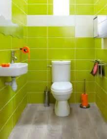 agréable Salle De Bain Vert Anis #3: decoration-wc-faience-murale-vert-anis-accessoires-deco-orange5-e1431797623538.jpg