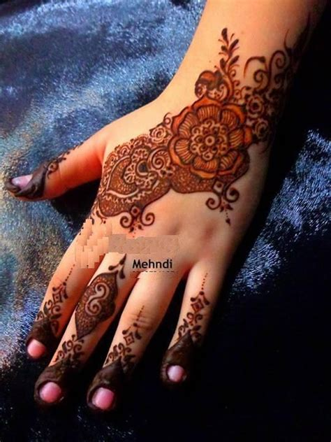 simple mehndi designs for girls 0014 life n fashion
